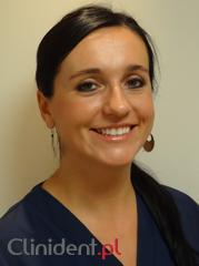 Periodontologist Magdalena Mendak